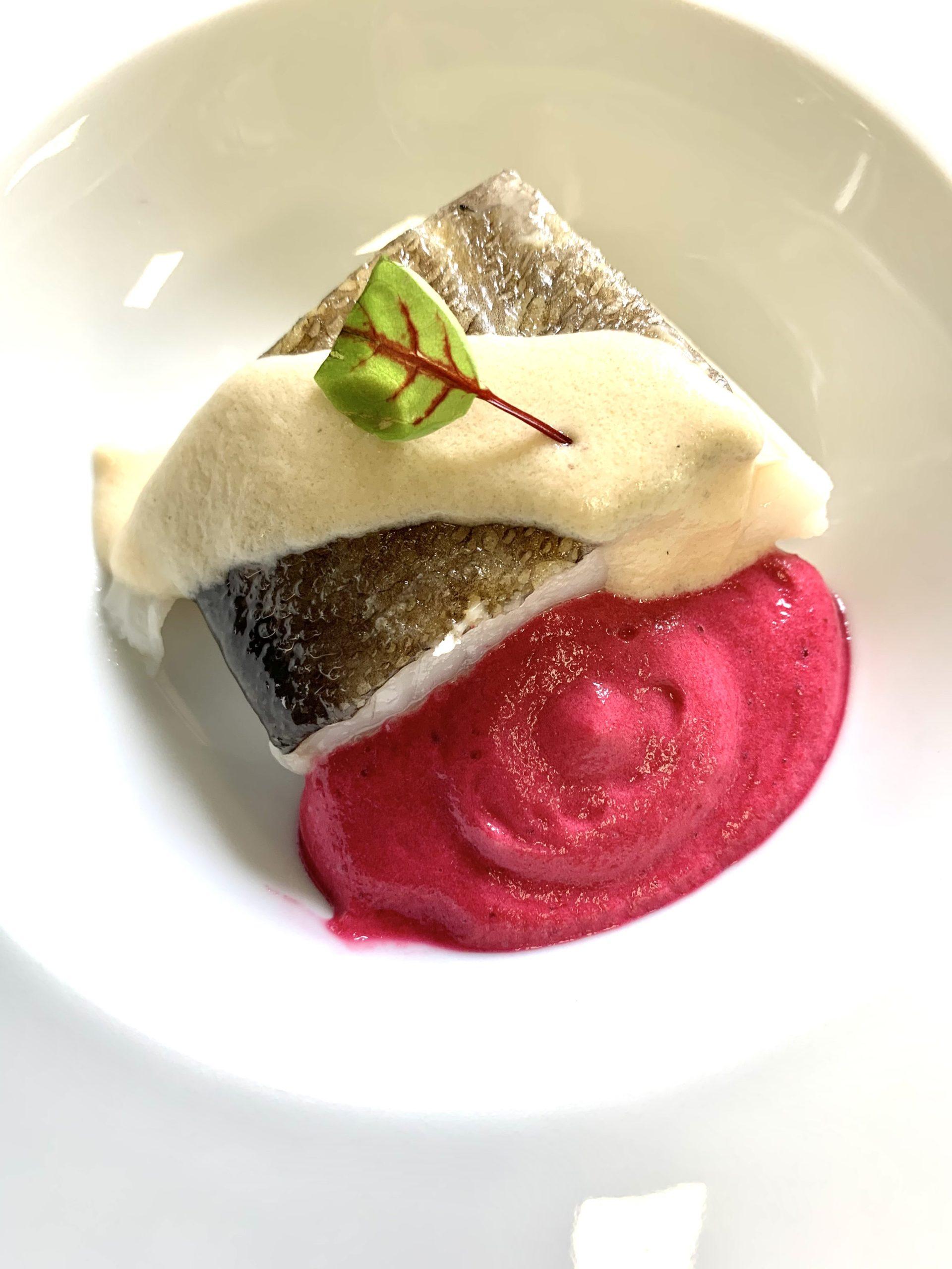 Bacalao a baja temperatura con beurre blanc y espuma de remolacha SimonetaandCo Mondariz Balneario Restaurante