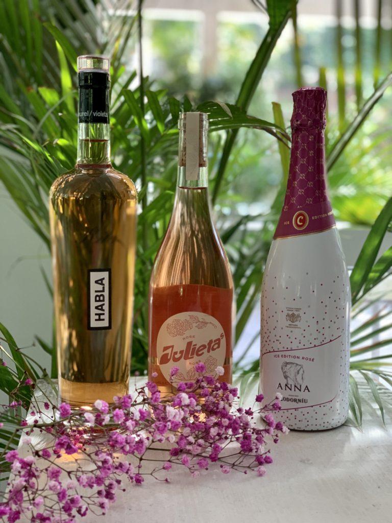 Vinos y cavas rosados en Simoneta and Co Balneario
